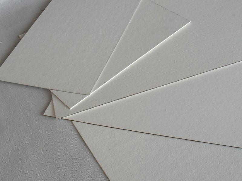 Картон, грунтованный эмульсионным грунтом, двухсторонний (2,00 мм)