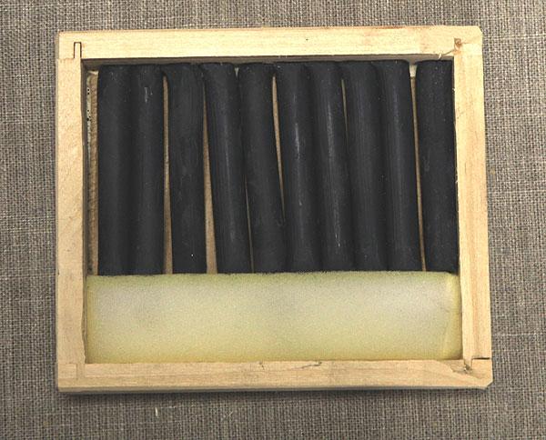 Соус серый в деревянных пеналах (10 кар) border=